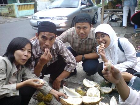 makan duren rame2