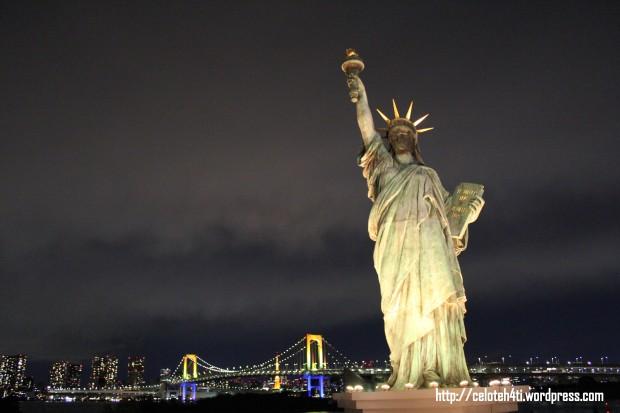 rainbow bridge, Tokyo tower, & liberty...Ternyata patung Liberty itu ada di Jepang.
