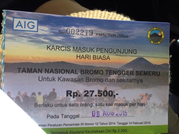 Ini tiket masuknya...